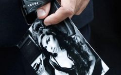 Amy-Winehouse_funeral_27-7-2011